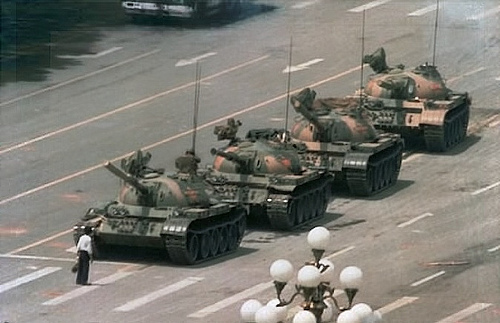 El hombre del tanque de Tiananmen por ti.